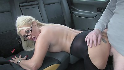 Hot taxi sex for lucky driver and blonde slut Mia Makepeace